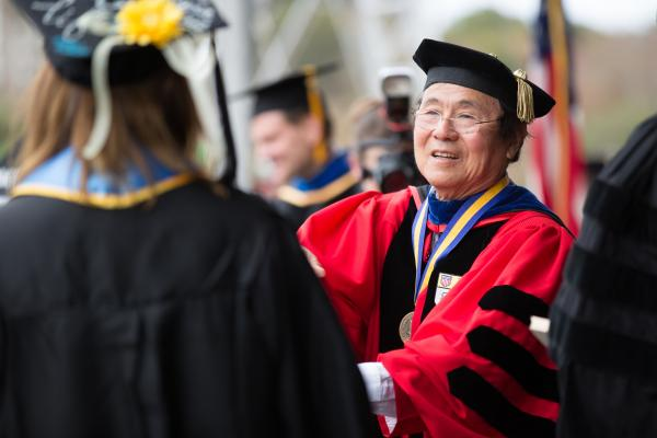Image of Chancellor Yang at UCSB commencement